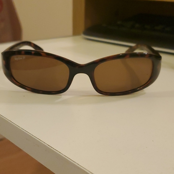 Ray-Ban brown polarized sunglasses RB 4063 642/57